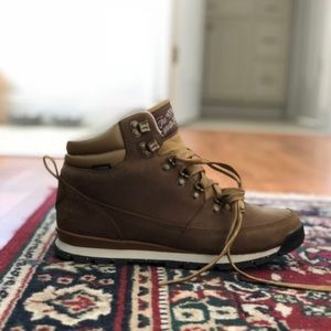 NORTH FACE: Back to Berkeley boots size 9